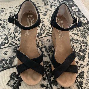 Toms black wedges size 5 1/2